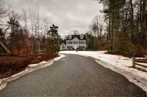 Colonial, Single Family - Chester, NH (photo 3)