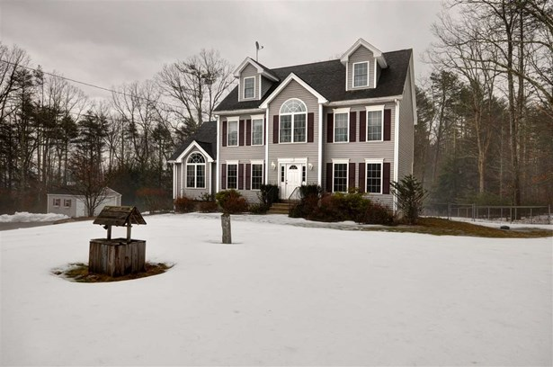 Colonial, Single Family - Chester, NH (photo 4)