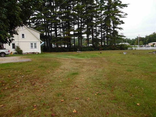 Cape, Single Family - Tilton, NH (photo 3)