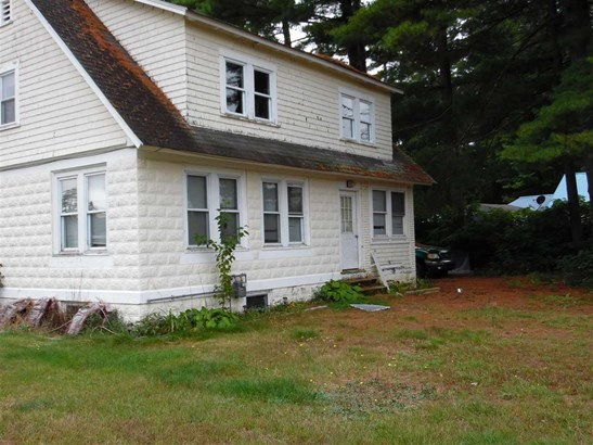 Cape, Single Family - Tilton, NH (photo 4)