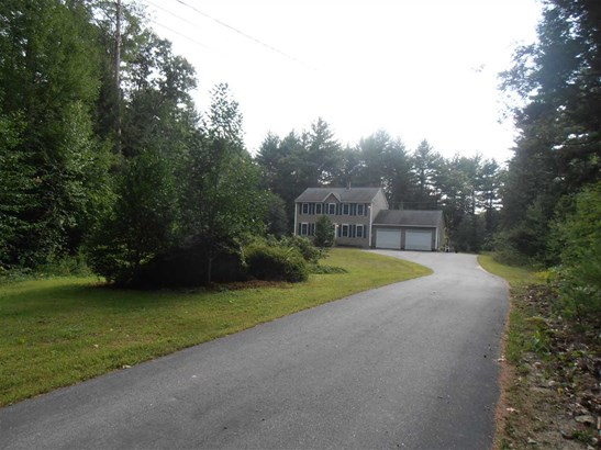 Colonial, Single Family - Deering, NH