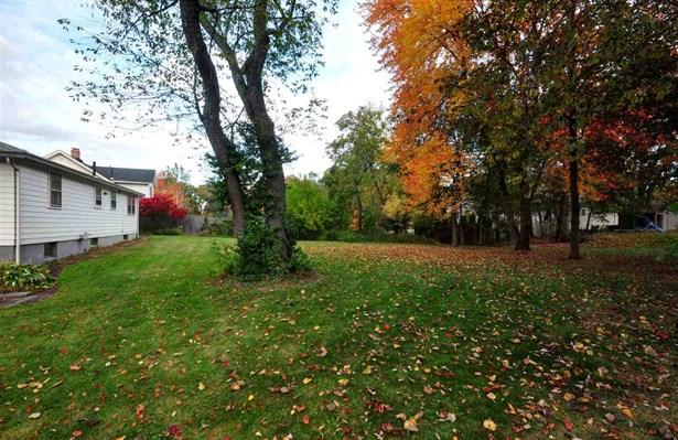 Ranch, Single Family - Nashua, NH (photo 3)