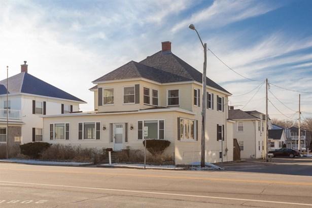 Colonial, Multi-Family - Hampton, NH