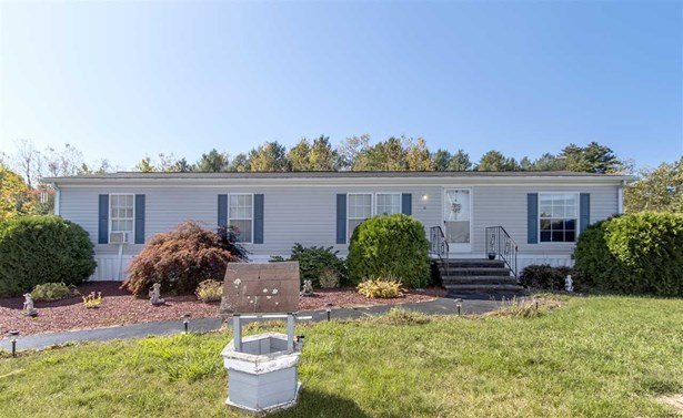 Mobile Home, Double Wide - Raymond, NH (photo 1)