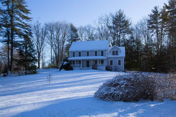 Colonial, Single Family - Brentwood, NH (photo 2)
