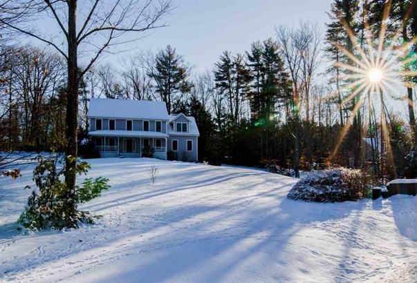 Colonial, Single Family - Brentwood, NH (photo 4)