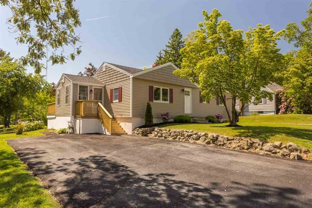 Ranch, Single Family - Exeter, NH