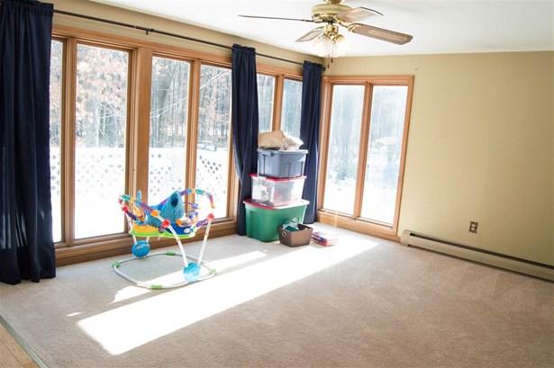 Gambrel, Single Family - Merrimack, NH (photo 4)