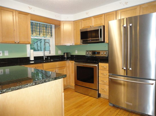 Townhouse, Condo - Milford, NH (photo 4)