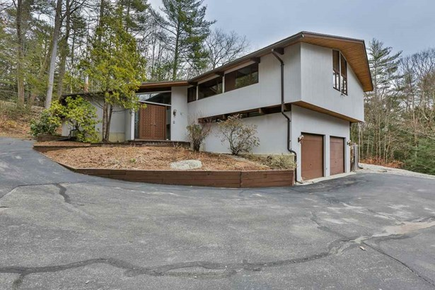Deck House,Modern Architecture,Multi-Level, Single Family - Bedford, NH (photo 2)