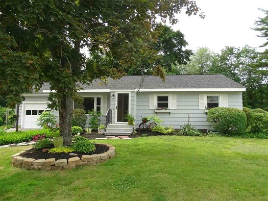 Ranch, Single Family - Somersworth, NH (photo 2)