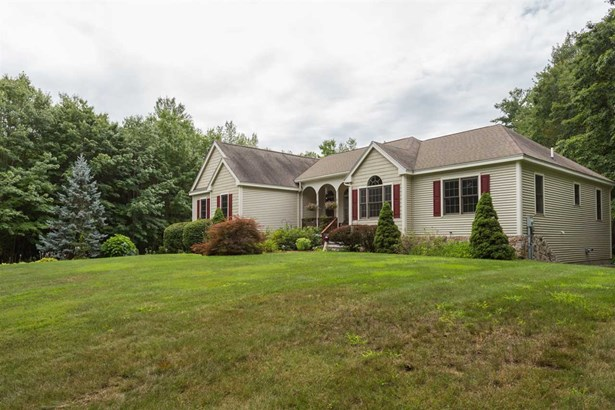 Ranch, Single Family - Brentwood, NH (photo 3)