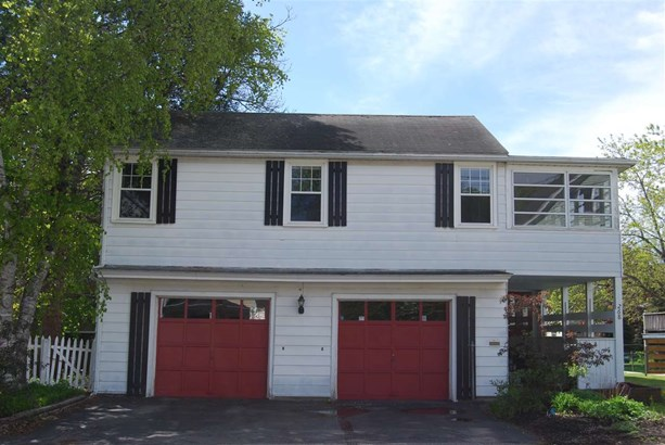 Contemporary, Single Family - Portsmouth, NH (photo 2)