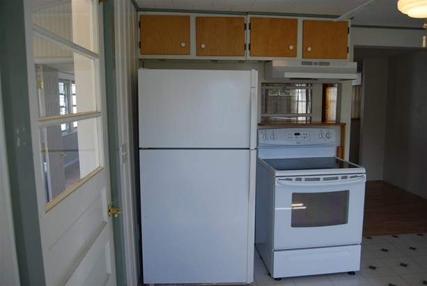 Contemporary, Single Family - Portsmouth, NH (photo 4)
