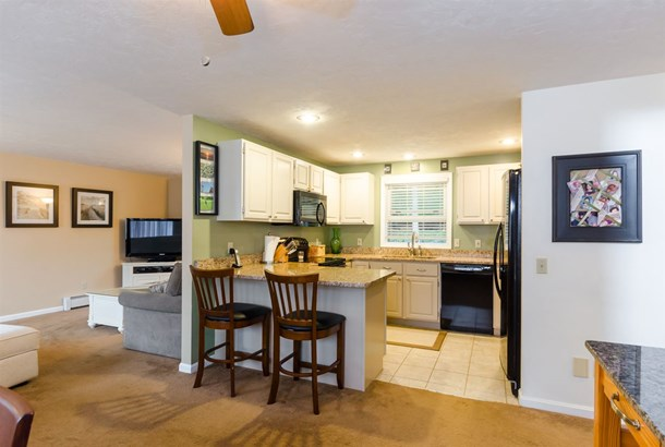 Colonial,Contemporary, Single Family - Stratham, NH (photo 3)