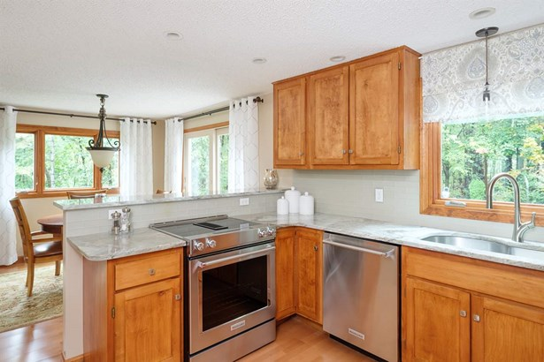 Garrison, Single Family - Stratham, NH (photo 5)