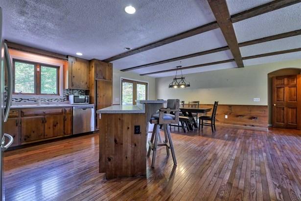 Ranch,Walkout Lower Level, Single Family - Bennington, NH (photo 5)