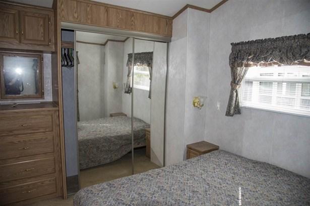 Mobile Home, Single Wide - Moultonborough, NH (photo 3)