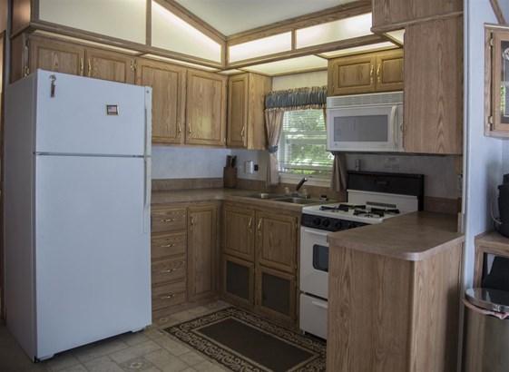 Mobile Home, Single Wide - Moultonborough, NH (photo 5)