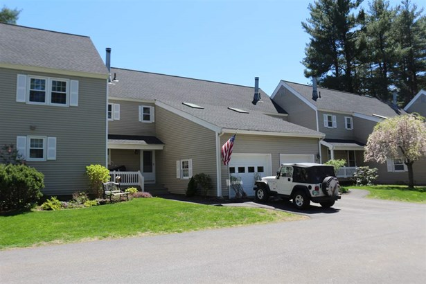 Townhouse, Condo - Londonderry, NH (photo 1)