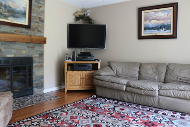 Townhouse, Condo - Londonderry, NH (photo 4)