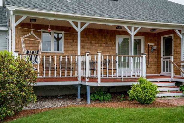 Farmhouse,Modified,Multi-Family,Multi-Level,Ranch,w/Addition,Walkout Lower Level - Single Family (photo 5)