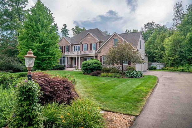 Single Family, Colonial,Contemporary,Walkout Lower Level - Bedford, NH (photo 3)