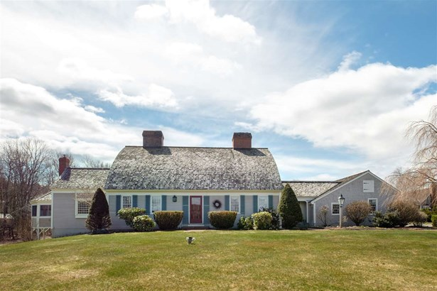 Cape, Single Family - Stratham, NH (photo 1)
