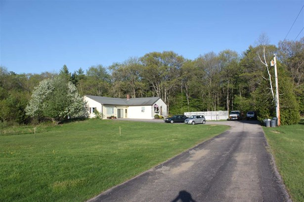 Ranch, Single Family - Berwick, ME (photo 2)