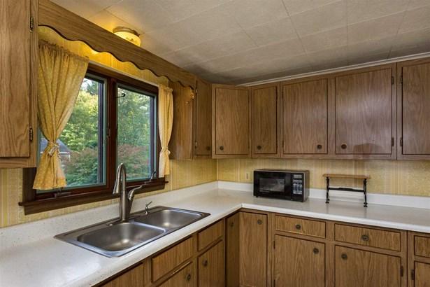 Ranch, Single Family - Rochester, NH (photo 5)