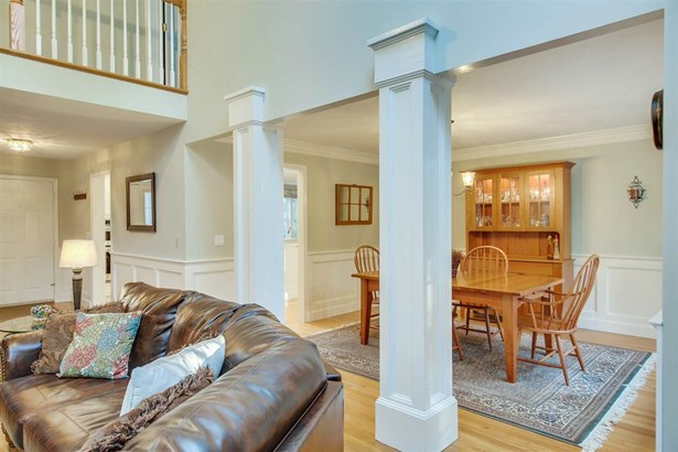 Contemporary,Walkout Lower Level, Single Family - Bedford, NH (photo 5)