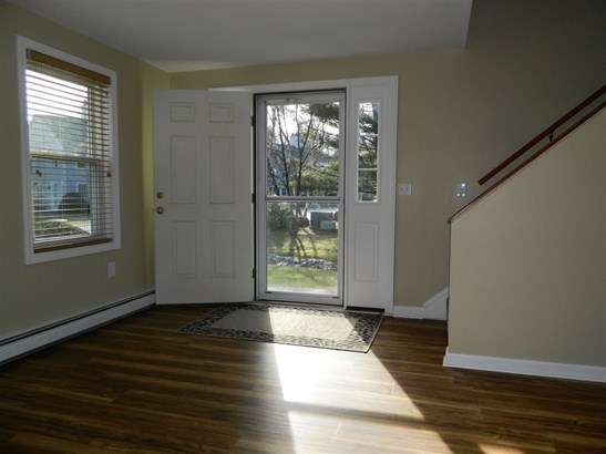 Townhouse, Single Family - Franklin, NH (photo 4)