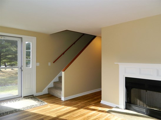 Townhouse, Single Family - Franklin, NH (photo 5)