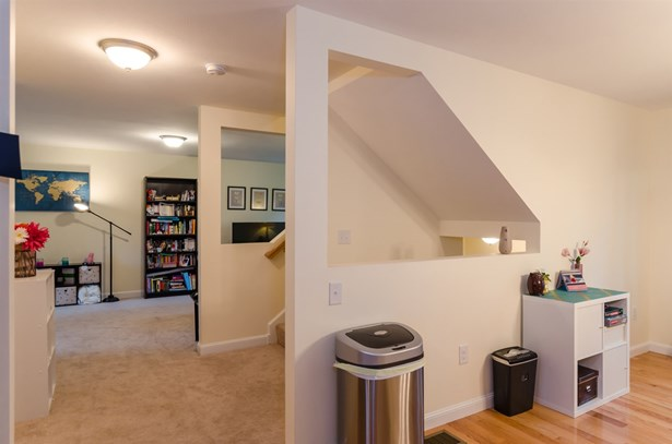 Cape,Walkout Lower Level,Split Level, Single Family - Nashua, NH (photo 5)
