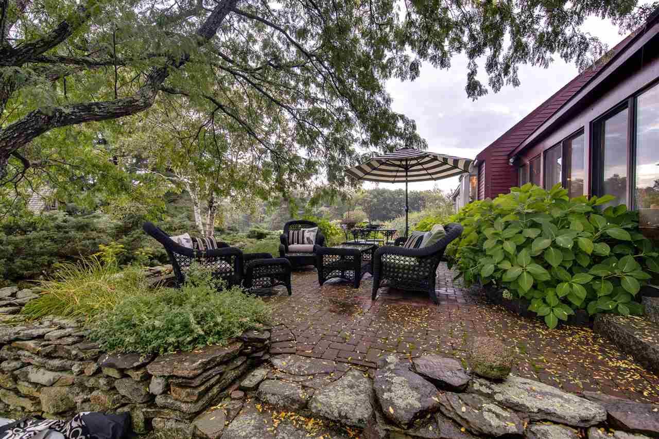 Cape, Single Family - Mont Vernon, NH (photo 4)