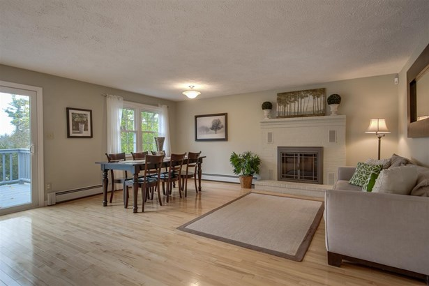 Contemporary,Ranch, Single Family - Manchester, NH (photo 5)
