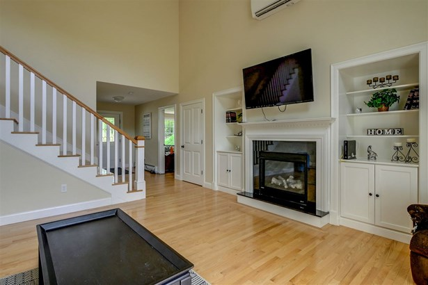 Colonial,Contemporary, Single Family - Weare, NH (photo 3)