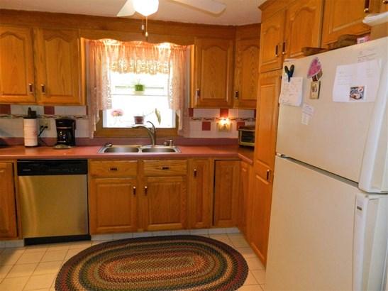 Ranch,Split Level, Single Family - Sanbornton, NH (photo 4)