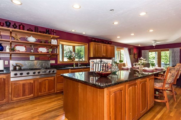 Colonial, Single Family - New Durham, NH (photo 4)