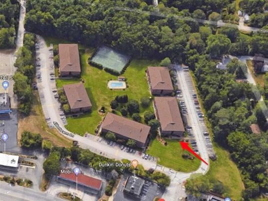 Apartment Building, Condo - Hudson, NH (photo 3)