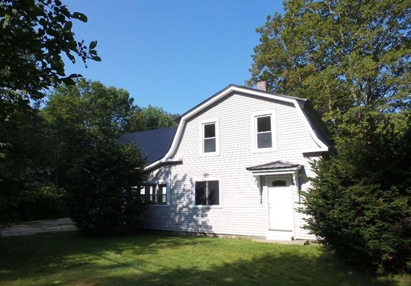 Farmhouse, Single Family - Loudon, NH (photo 1)