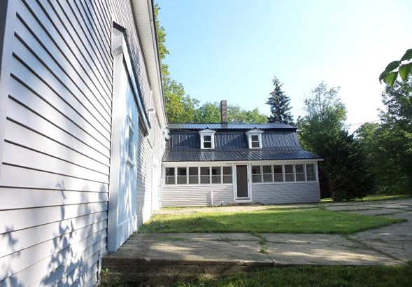 Farmhouse, Single Family - Loudon, NH (photo 4)