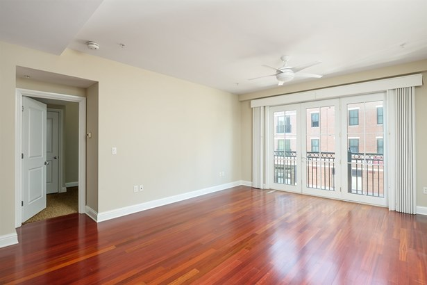 Condo, High Rise - Portsmouth, NH (photo 2)