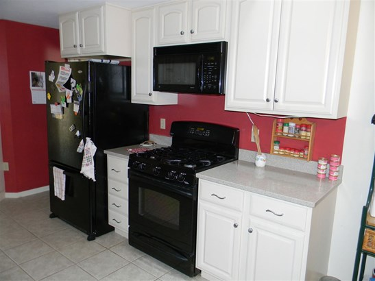Condo, Townhouse,Tudor - Atkinson, NH (photo 2)