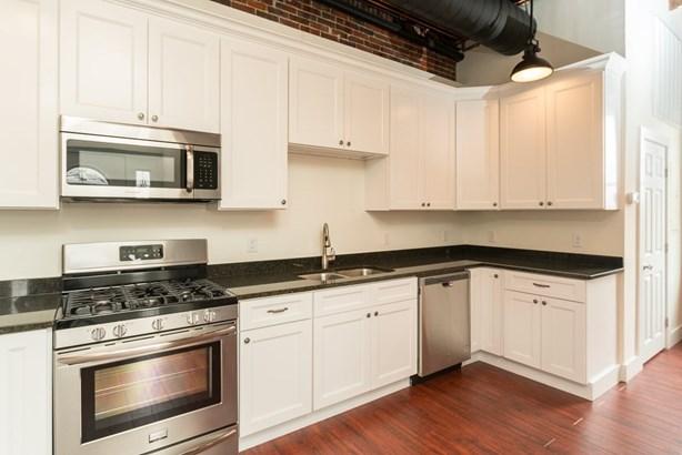 Multi-Level, Apartment - Somersworth, NH (photo 1)