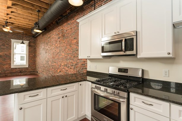Multi-Level, Apartment - Somersworth, NH (photo 2)