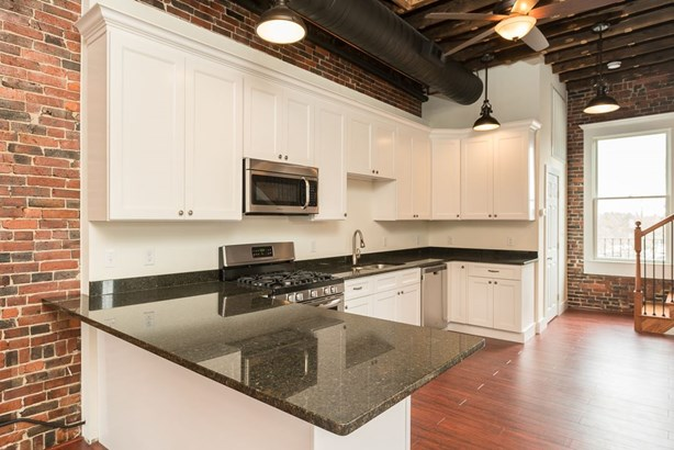 Multi-Level, Apartment - Somersworth, NH (photo 3)