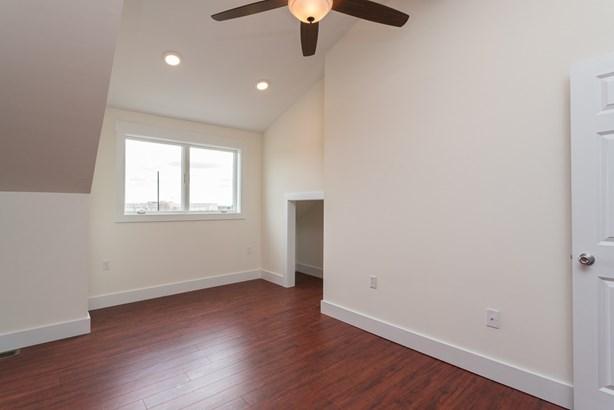 Multi-Level, Apartment - Somersworth, NH (photo 5)