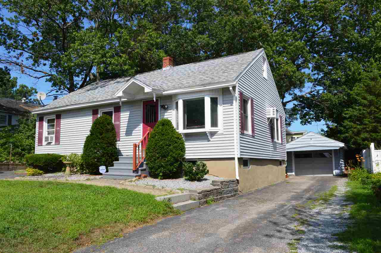 Cape,Ranch, Single Family - Manchester, NH (photo 1)