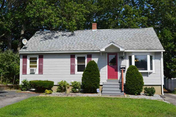 Cape,Ranch, Single Family - Manchester, NH (photo 2)
